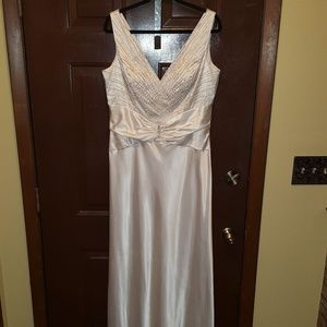 Georgeous Long ivory Beaded  Gown.. Size 14